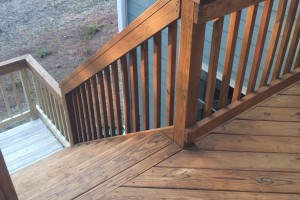 White-Mahogony Two-Toned Exterior Deck